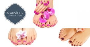 application of gel polish on your nails